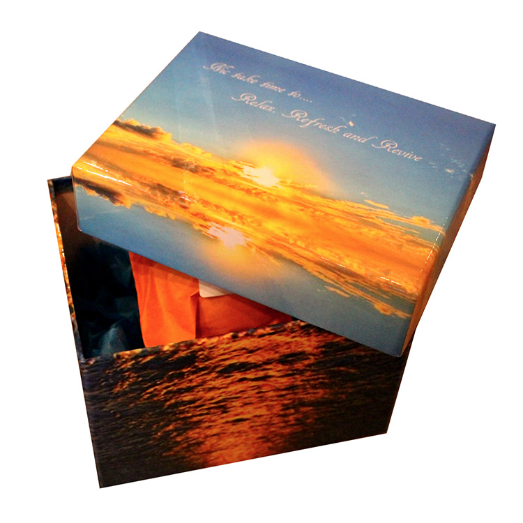 Unique gift ideas London Essex personalised small box with majestic sky and water scenes